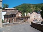 Le Minier telt 17 vaste inwoners. De meeste huizen zijn verkocht aan buitenlanders die hier enkel tijdens de zomer verblijven.