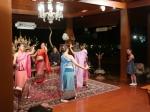 Tijdens het afscheidsdiner worden we entertained met mooie Thaise muziek en dans. Een waardige afsluiter van een geslaagde reis.
