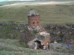 Kerk van St Gregorius in Ani, een Armeense ruïnestad. De stad ligt op een 1338 meter hoog plateau, aan de grens met Armenië.