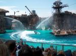 De schitterende show is een klein gedeelte van de film Waterworld uit 1995, met veel speciale effecten, inclusief de landing van het watervliegtuig.