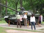 De beruchte tank 390 die in 1975 de poort van het paleis platreed tijdens de val van Saigon