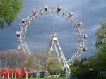 De beroemdste attractie in Prater is het Riesenrad, een reuzenrad dat deel uitmaakte van een amusementspark dat Volksprater of ook wel Wurstelprater genoemd werd.
