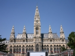 Het stadhuis is de zetel van de stadsraad van Wenen. Het was het duurste monumentale bouwwerk dat langs de Ringstrasse werd opgetrokken.