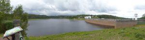 Panorama op het stuwmeer van de Wesertalsperre.
