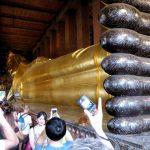 De enorme 46m lange liggende Boeddha in de Wat Pho tempel.