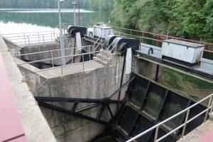 De stuwdam van Robertville is 55m hoog en werd gebouwd in 1928. Het is een trekpleister voor watersporters.