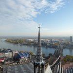 Op het uitzichtplatform van de zuidelijke toren (97m) hebben we een prachtig uitzicht.