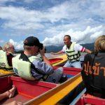 Met een Thaise longtail speedboot scheren we over de Mekongrivier aan het drielandenpunt.