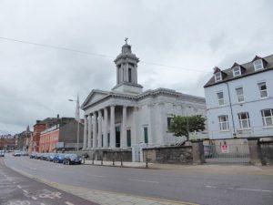 St. Patrick's Church in Cork, gewijd aan de beroemdste missionaris die het katholicisme naar Ierland exporteerde.