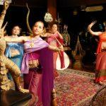 Afscheidsdiner met Thaise muziek en dans. De reis loopt op zijn einde :-(