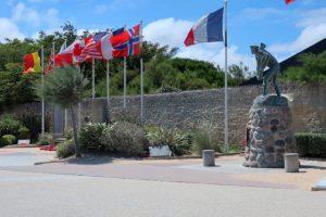 Herdenkingsmonumenten aan Juno Beach