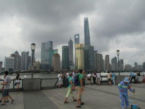 Zicht op Pedong vanop de Bund (Shanghai)