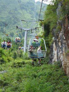 Zeteljeslift naar de Yao heuvel (Guilin)