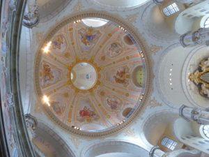 De binnenkoepel van de Frauenkirche op halve hoogte van de buitenkoepel.
