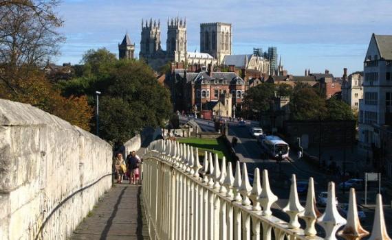 Kathedraal van York gezien vanop de stadswallen, Engeland