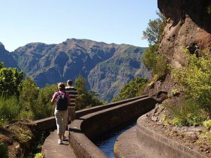 Wandelen langs de levada's op Madeira, Portugal